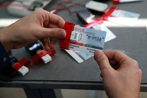 Yeni kimlik kartları nasıl alınacak 1