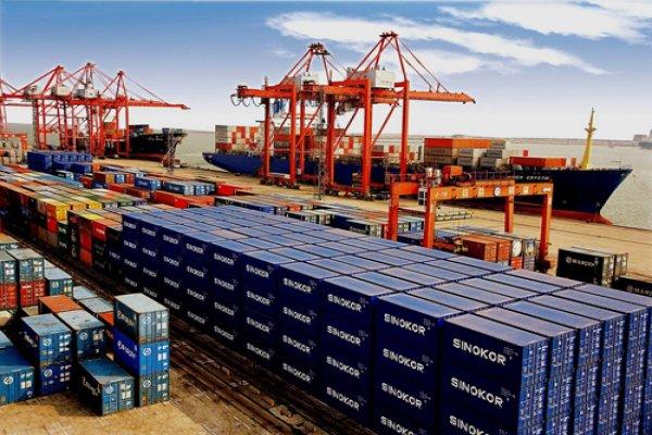 Çin'in dış ticareti yeniden ivme kazanıyor