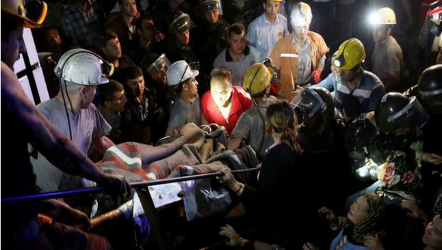 Soma'da 8 kişi tutuklandı, üretim durdu