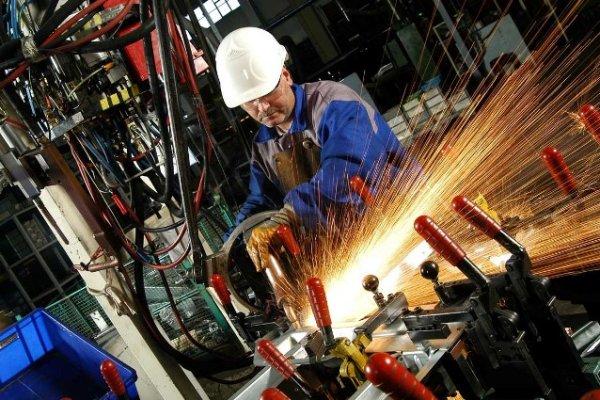 Japonya'nın sanayi üretimi nisanda beklenti altında