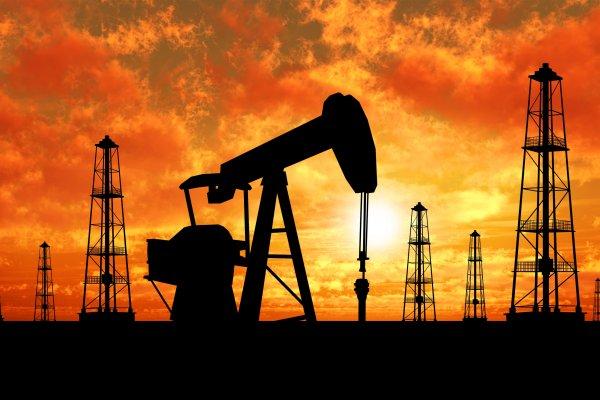 ABD'nin ham petrol üretimi şubattan bu yana ilk defa düştü