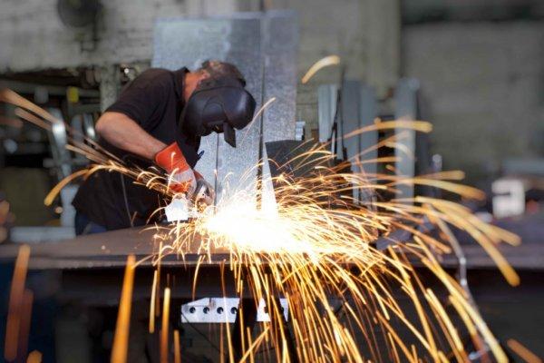 Türkiye İmalat PMI kasımda yükseldi