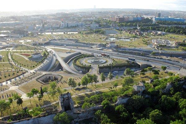 İstanbul'da bir ilçede havuz yasak, mescit zorunlu