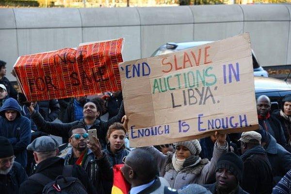Londra'nın göbeğinde kölelik karşıtı gösteri