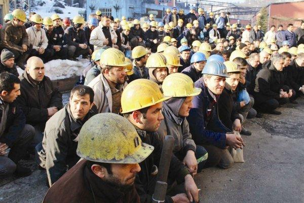 """İşçilerle hükümetin zam görüşmelerinde """"tutanak"""" krizi"""
