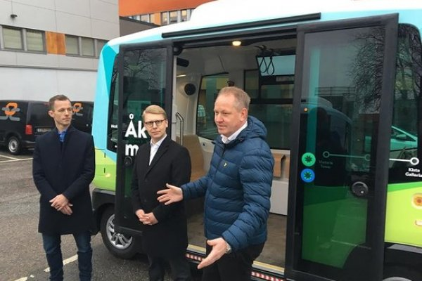 İsveç'te sürücüsüz minibüsler sefere başlıyor