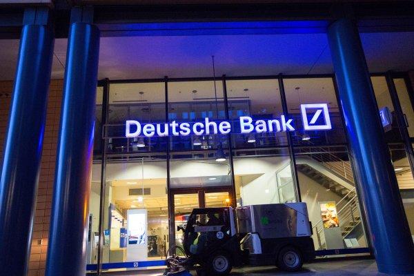Deutschebank'ın karında sert düşüş
