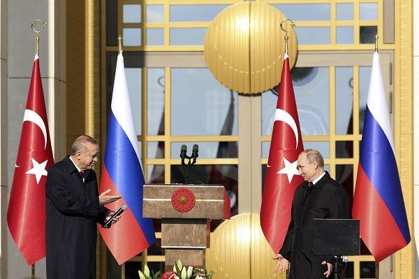 Putin, üstü kapalı desteğini de çekiyor mu