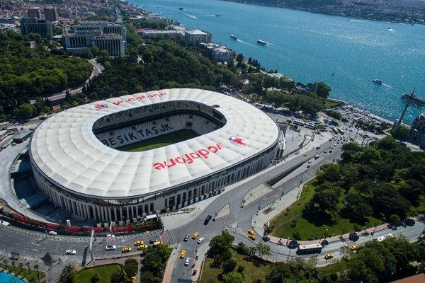 Galatasaray ve Beşiktaş mahkemelik oldu! Stat kavgası büyüyor
