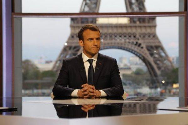 Macron pes etti, Sarı Yelekliler ile görüşecek