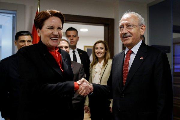 CHP'den 15 milletvekili İYİ Parti'ye geçti