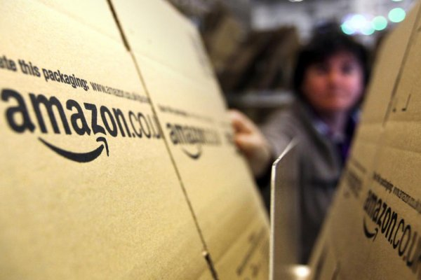 Amazon zirveyi Apple'den geri aldı