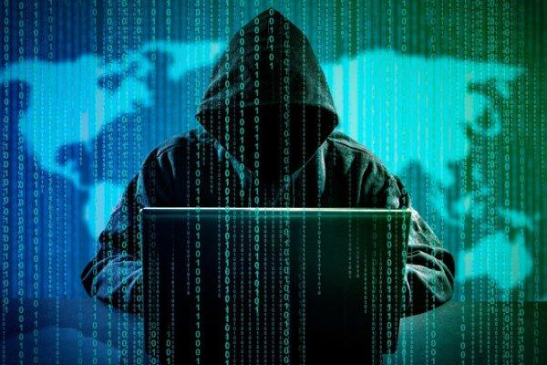 Bayramda internetten gelen tehlikeye dikkat!