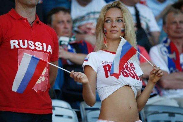 Rus kadınlara çağrı: Yabancı taraftarlarla cinsel ilişkiye girmeyin