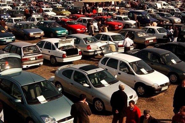 Dolar yükseldi, ikinci el otomobile talep arttı