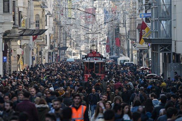 Türkiye'yi terk edenlerin sayısı yüzde 63 arttı: Nedenlerini araştırma önergesine ret