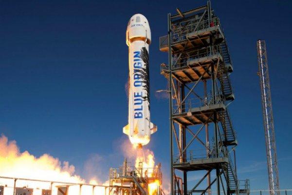 2 yolcu daha 100 milyon dolar ödeyerek uzaya fırlatılacak