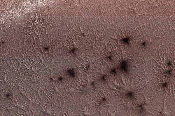 NASA, 'Mars örümceklerine' ait yeni görüntü yayınladı