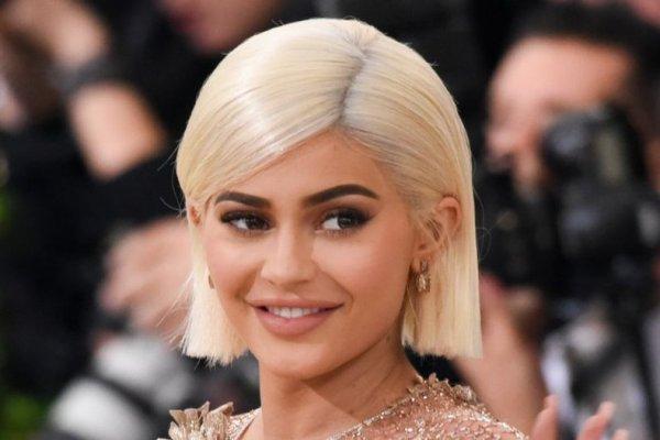 Kylie Jenner 20 yaşında milyarderliğe koşuyor
