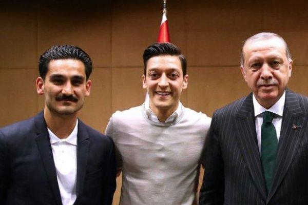 Almanya Futbol Federasyonu'ndan flaş Özil açıklaması