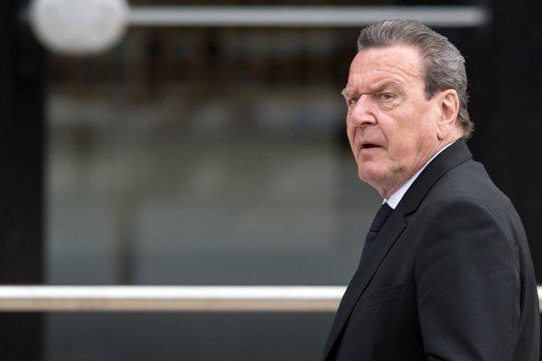 Eski Almanya Başbakanı Schröder: Kırım, Rusya toprağı olarak tanınmalı