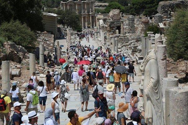 Turizmde 40 milyon hedefi aşıldı: En çok turist Rusya'dan geldi