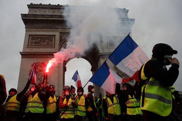 Fransa'daki eylemlerde 95 kişi tutuklandı