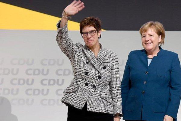 Merkel'in yerine seçilen 'Mini Merkel' Annegret Kramp-Karrenbauer kimdir?