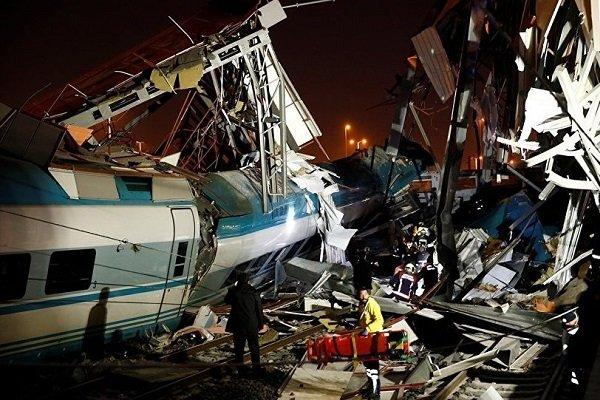 Yine tren kazası, çok sayıda ölü ve yaralı