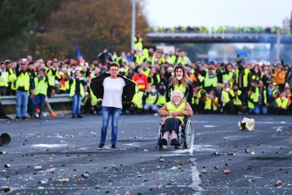 'Sarı Yelekliler eylemi' Fransa'ya pahalıya patladı