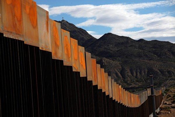 Trump Meksika sınırını kapatmakta kararlı