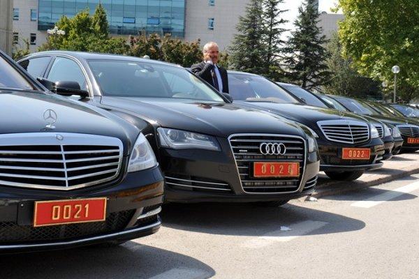 Saray'a ve Meclis'e yeni araçlar alınıyor
