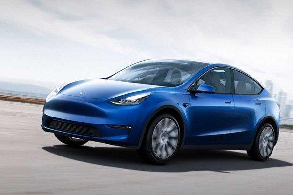 Tesla yeni elektrikli otomobil modelini tanıttı