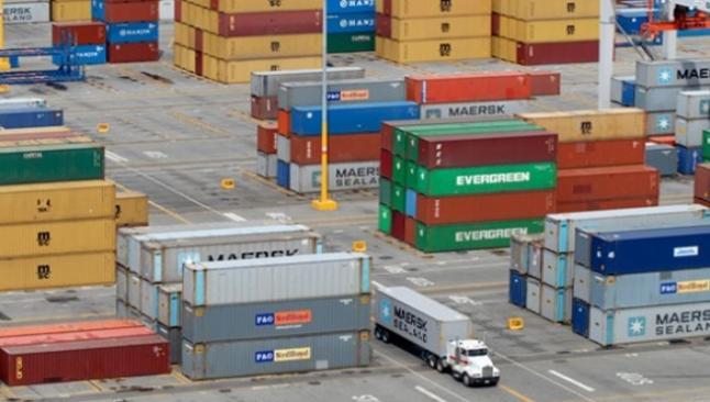 Dış ticaret açığı 3.77 milyar dolar