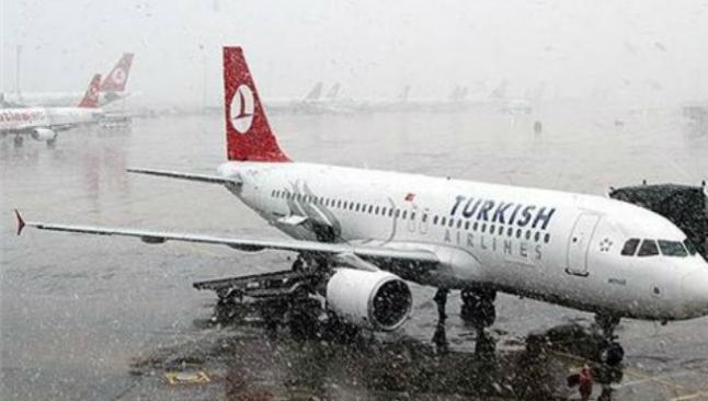 Onlarca uçuş iptal edildi