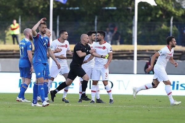 A Milli Futbol Takımı ilk yenilgisini İzlanda'da aldı