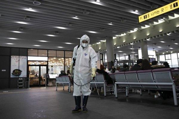 Koronavirüs korkusuyla Çinlilere saldırılar başladı