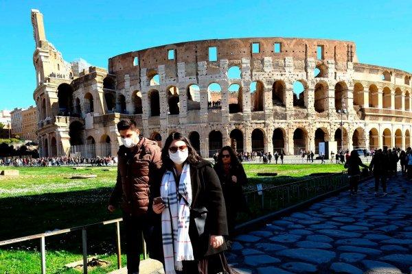 İtalya, Kovid-19 tedbirlerini gevşetiyor