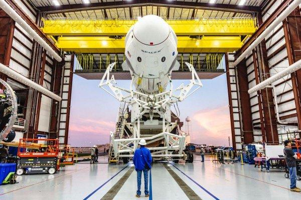 SpaceX'in ilk uçuşu hava koşullarına takıldı