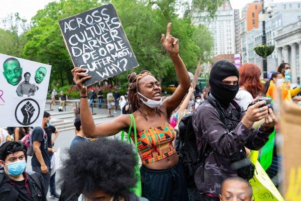 ABD'de 25 şehirde sokağa çıkma yasağı ilan edildi