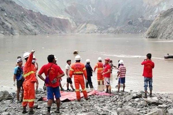 Myanmar'da made kazası: En az 113 işçi öldü