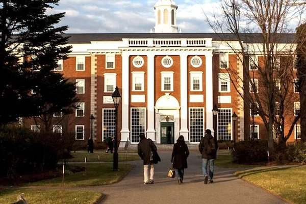 MIT ve Harvard'tan Trump'a dava