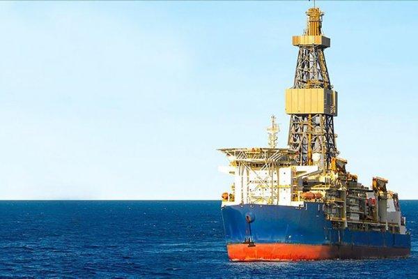 Süveyş Kanalı'nda gemisi sıkıştı, 1 milyar dolarlık tazminat istedi