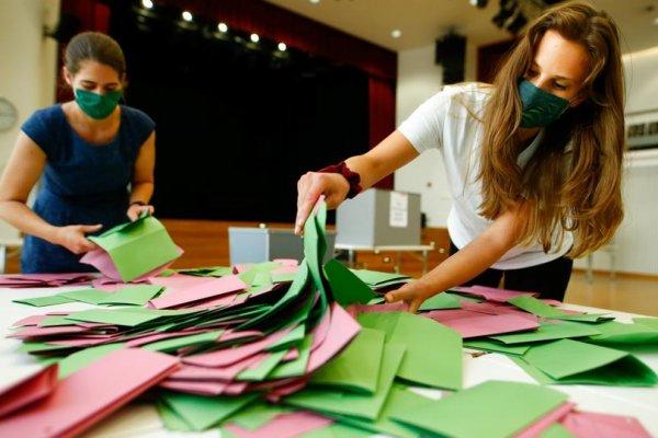 Almanya'da en büyük parti: Kararsızlar