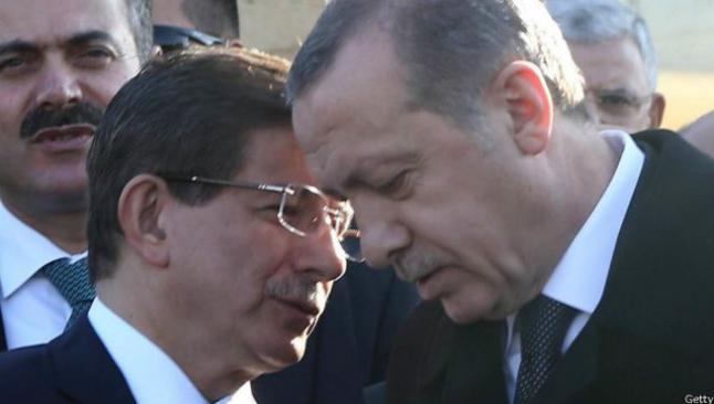 Erdoğan-Davutoğlu mücadelesi sertleşiyor