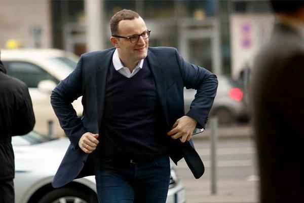 Almanya Sağlık Bakanı Kovid-19'a yakalandı