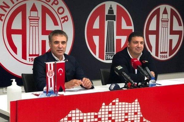 Ersun Yanal 3.5 yıllık imza attı
