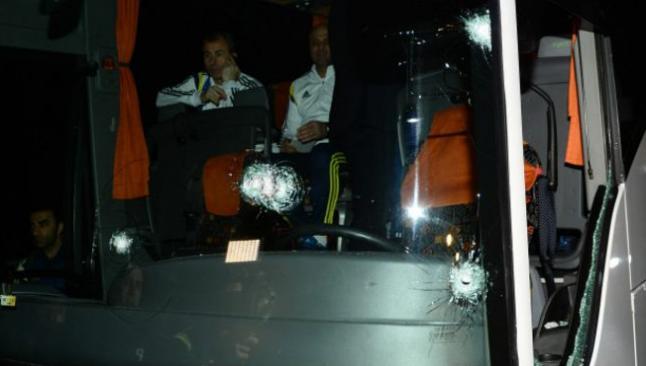 Fenerbahçe takımına Trabzon'da saldırı