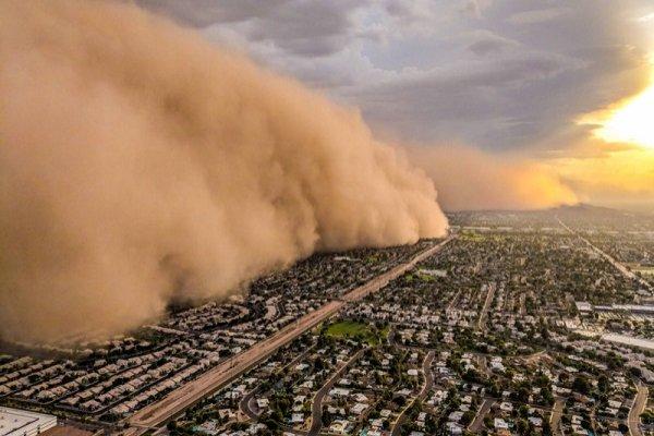"""Virüs """"toz fırtınasıyla bulaşacak, pencereleri açmayın"""" uyarısı"""