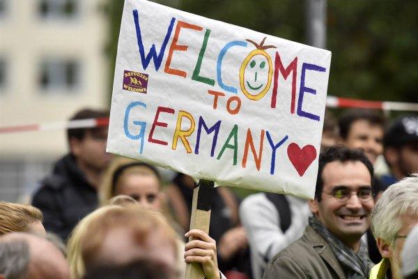 Almanya, AB dışından gelen aşılılara kapıyı araladı